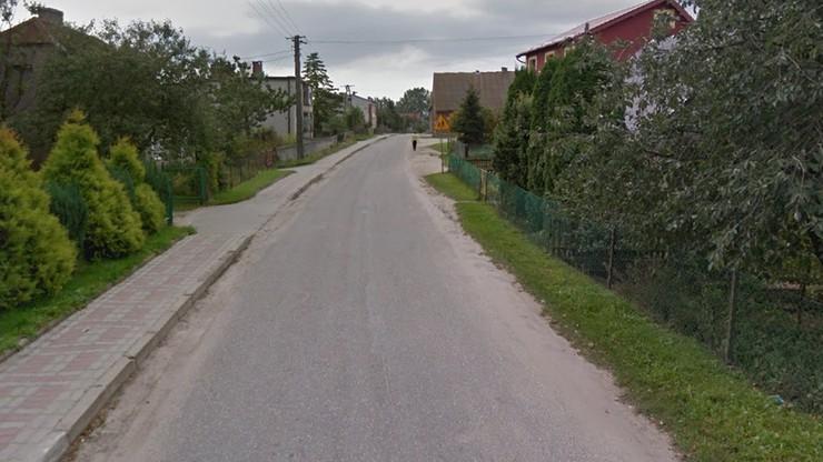 Zwłoki 17-latka znalezione przy polnej drodze. Brat bliźniak leżał nieprzytomny kilka metrów dalej