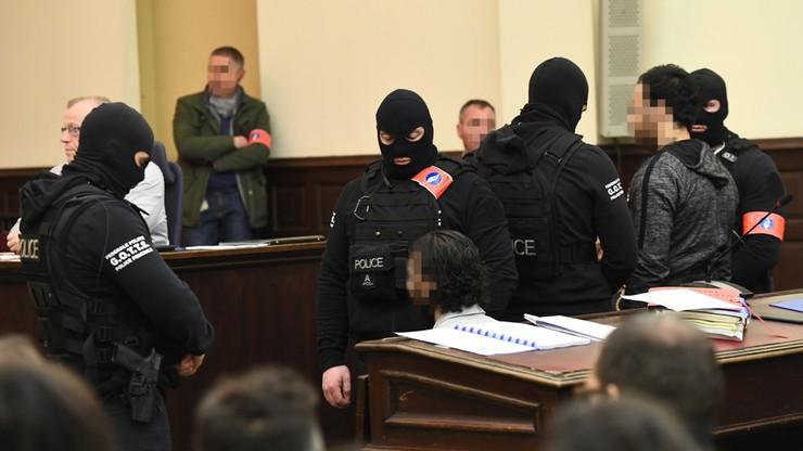 """Zamachowiec z Paryża oskarżony o próbę zabójstwa policjantów w Brukseli. Pierwszy dzień procesu. """"Nie boję się was"""""""