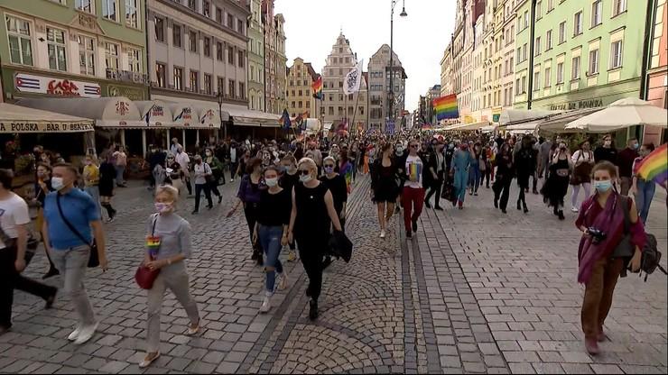 """Marsz Równości we Wrocławiu. Uczestnicy w 20 """"sektorach"""" z powodu koronawirusa"""