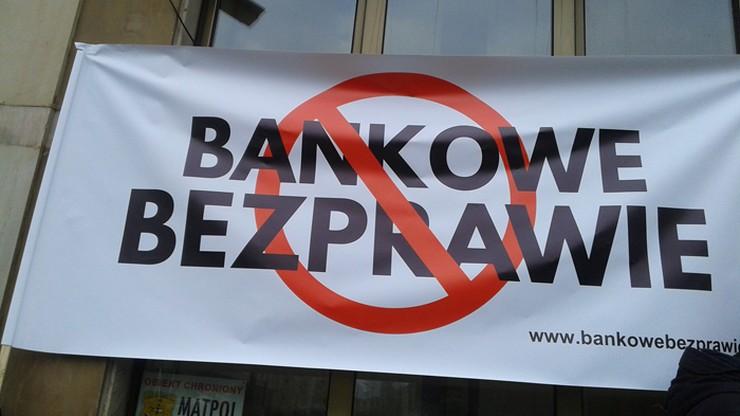"""""""Stop Bankowemu Bezprawiu"""" skarży się na wyroki w sprawach frankowiczów do Komisji Europejskiej"""