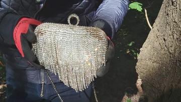"""Burmistrz znalazł """"skarb"""" podczas sprzątania lasu. Trwają poszukiwania właściciela"""