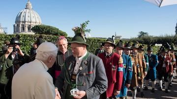 Bawarskie urodziny emerytowanego papieża Benedykta XVI w Watykanie