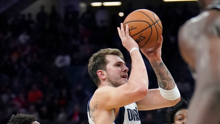 """NBA: Rekordowe osiem """"trójek"""" Doncica"""