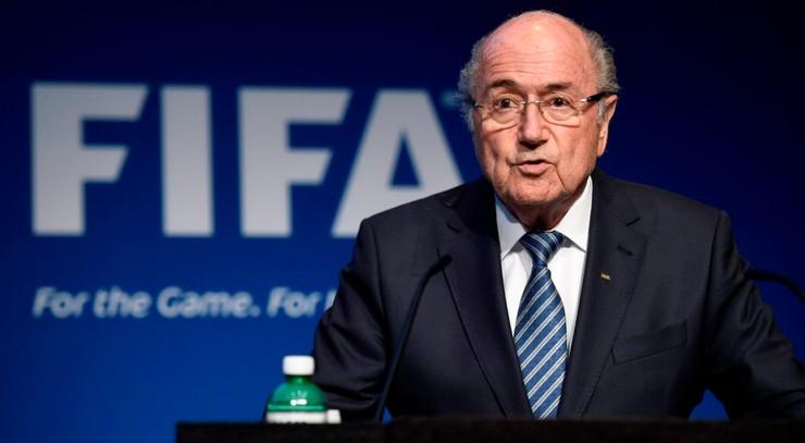 Blatter wybiera się na mundial do Rosji