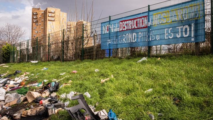 Francja. Paryż oddzielono murem od biednych przedmieść w Pantin, mieszkańcy: ściana wstydu
