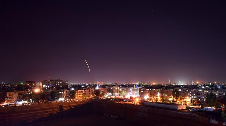 Syria oskarżyła Izrael o dokonanie ataku rakietowego na lotnisko w stolicy