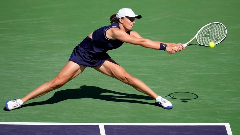 WTA w Indian Wells: Iga Świątek przegrała z Jeleną Ostapenko