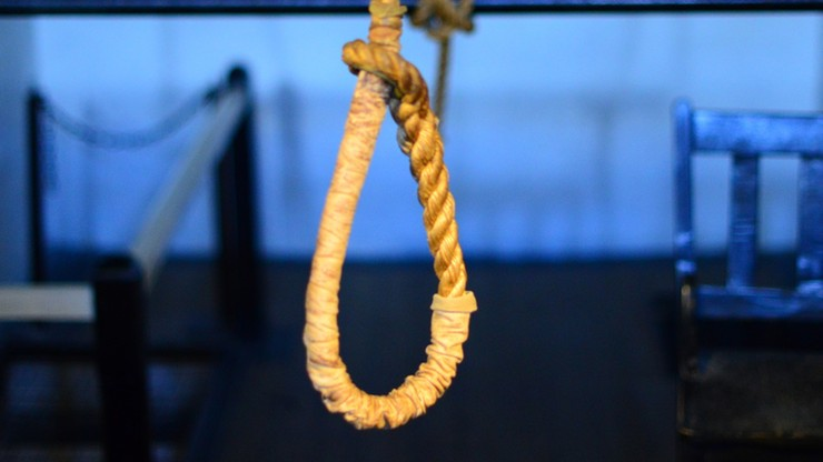 Zmarła na zawał przed egzekucją. Strażnicy powiesili ciało