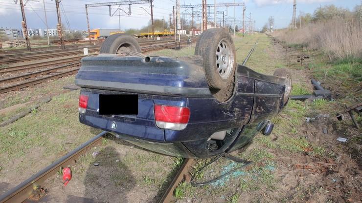 16-latkowie bez prawa jazdy w pożyczonym bmw. Dachowali na torach [ZDJĘCIA]